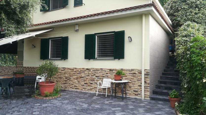 immobiliare-cava-de-tirreni-vende-indipendente-con-spazioesterno-patio-forno-box-cantina-giardino-orto-ottima-esposizione