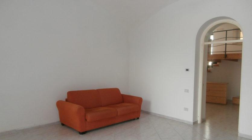 immobiliare-cava-de-tirreni-ingresso-autonomo-appartamento-con-terrazzo